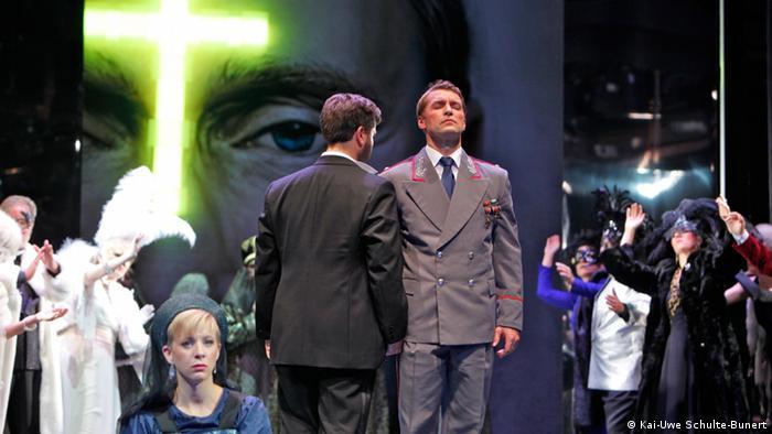 Царевич и его солдат: сцена из оперетты