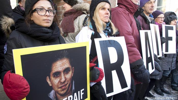 Ensaf Haidar protestiert in Montreal für die Freilassung ihres Mannes Raif Badawi (Photo: THE CANADIAN PRESS/Ryan Remiorz)