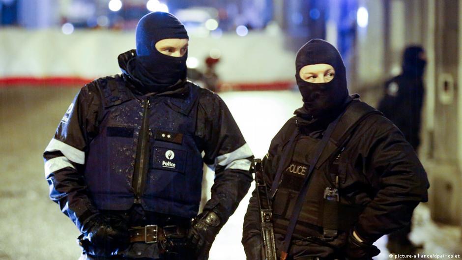 مداهمات وحالة تأهب في أوروبا ضد الإسلاميين المتشددين   DW   16.01.2015