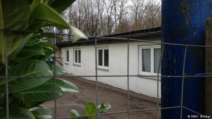 Здание в городке Шверте, в котором размещены беженцы