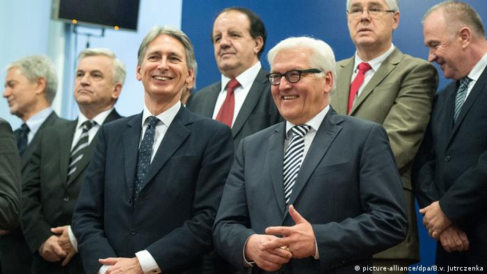 Philip Hammond und Frank-Walter Steinmeier PK in Sarajevo 16.01.2015