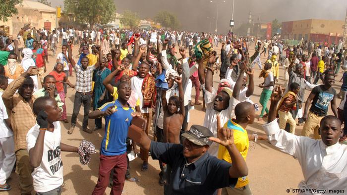 Niger Proteste gegen Mohammed Karikaturen in Charlie Hebdo 16.1.2015