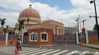 Angola Luanda Nationalversammlung Baustelle