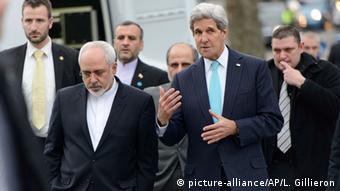 ظریف و کری در حال مذاکره در خیابانهای ژنو