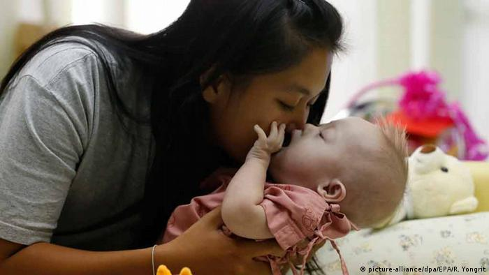Leihmutter Baby mit Downsyndrom Thailand (picture-alliance/dpa/EPA/R. Yongrit)