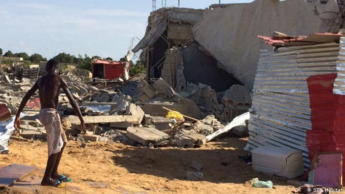 Angola Zerstörungen in Viana Luanda (SOS Habitat)