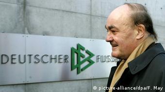 Früherer Vorsitzender des DFB-Schiedsrichter-Ausschusses Volker Roth (Foto: dpa)