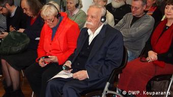O Μαλώλης Γλέζος παρέστη στην εκδήλωση του γερμανικού κόμματος της Αριστεράς για τον ΣΥΡΙΖΑ στο Βερολίνο