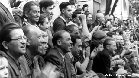 Israelense resgata história de futebol e propaganda em ... - NOTÍCIAS | DW.DE