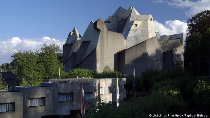 Die Wallfahrtskirche in Neviges sieht aus wie ein Betongebirge
