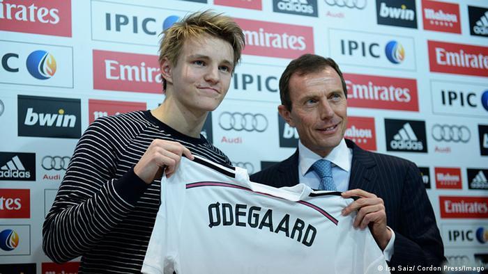 Martin Ödegaard PK Real Madrid Vorstellung 22.01.2015 (Isa Saiz/ Cordon Press/Imago)