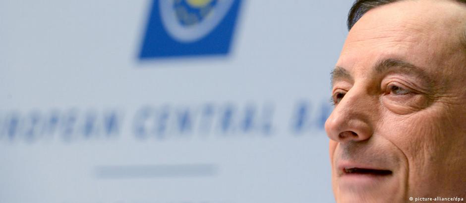Mario Draghi, presidente do BCE, anuncia programa