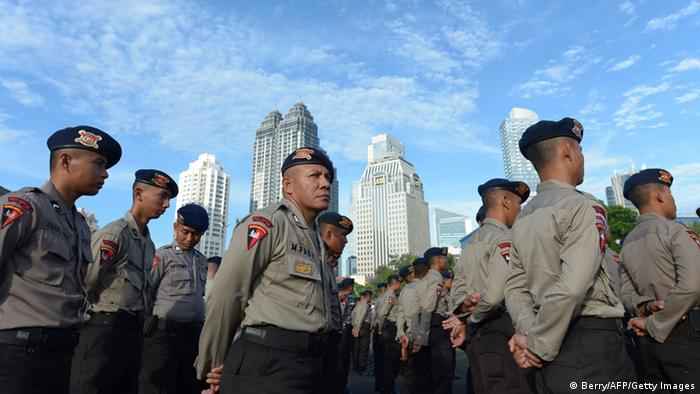 Symbolbild Polizei Jakarta (Berry/AFP/Getty Images)