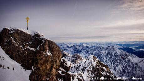 Zugspitze mit Gipfelkreuz