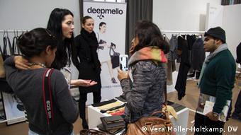 23.01.2015 DW Fashion Week Green Showroom Ökomode für Bangladesch 01