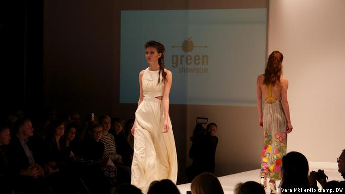 23.01.2015 DW Fashion Week Green Showroom Ökomode für Bangladesch 04