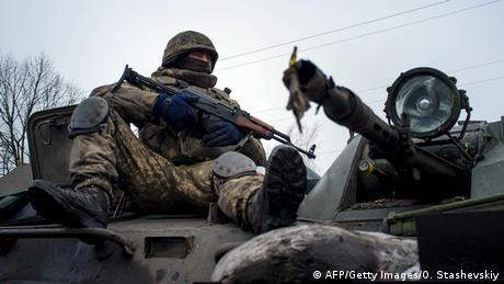 Канада дозволила продавати Україні стрілецьку зброю