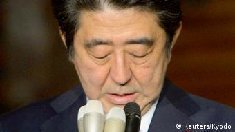 Japans Premierminister Shinzo Abe äußert sich zu den Entführten von ISIS