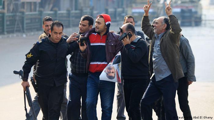 اعتقالات بحق متعاطفين مع مرسي