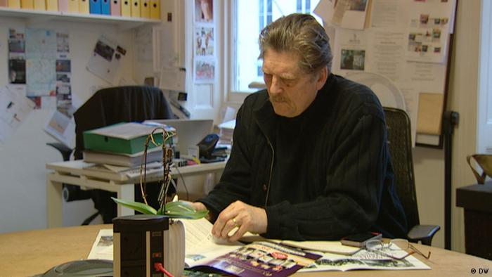 André Singer in his office, Copyright: DW