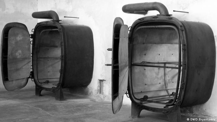 اتاقهای گاز در اردوگاه مرگ آشویتس
