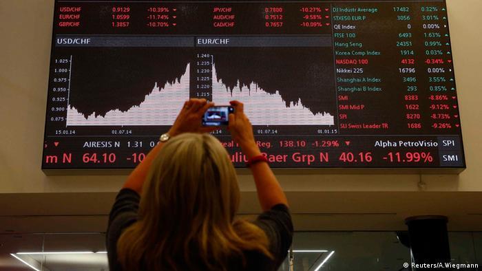 Schweizer Franken Euro USD an der Schweizer Börse (Reuters/A.Wiegmann)