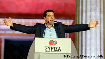 Χωρίς φως στο τούνελ πορεύεται η Ελλάδα από το ξέσπασμα της κρίσης το 2009, σύμφωνα με το Spiegel (Reuters/A.Konstantinidis)