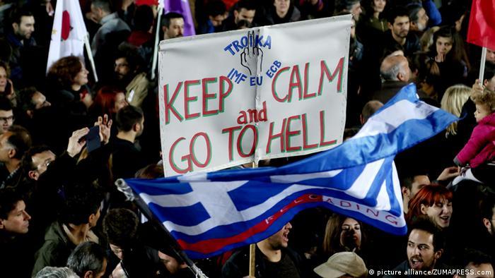 Syriza Unterstützer Feier 25.01.2015 Athen Transparent Troika