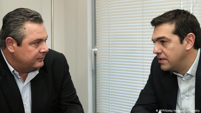 Die Koalition steht: Tsipras (r.) und ANEL-Chef Kamennos (Foto: AFP/Getty Images)