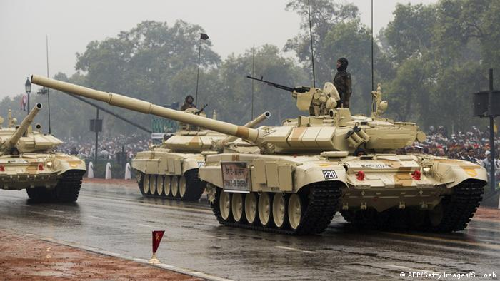 An Indian Army T90 tank drives past during the nation's Republic Day Parade in New Delhi on January 26, 2015 (Photo: SAUL LOEB/AFP/Getty Images)