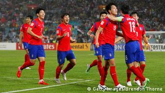 Südkoreaner bejubeln einen Treffer im Halbfinale gegen Irak (Foto: Getty Images)