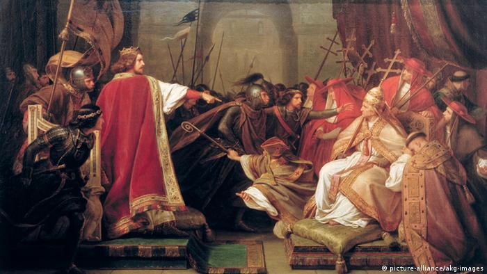 Император Генрих V в ходе борьбы за инвеституру в 1111 году арестовывает в Риме папу Пасхалия II