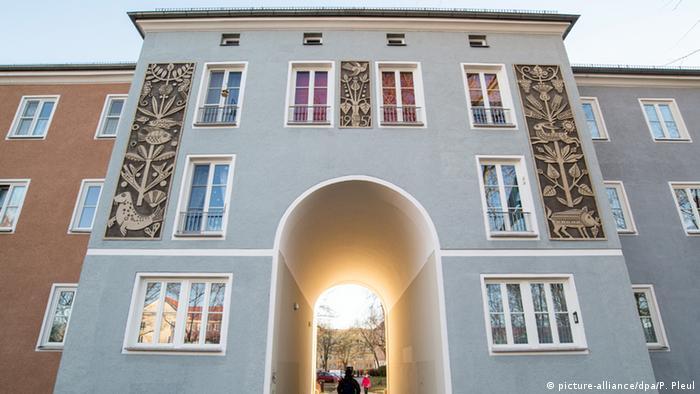Fachada de complexo residencial de Eisenhüttenstadt