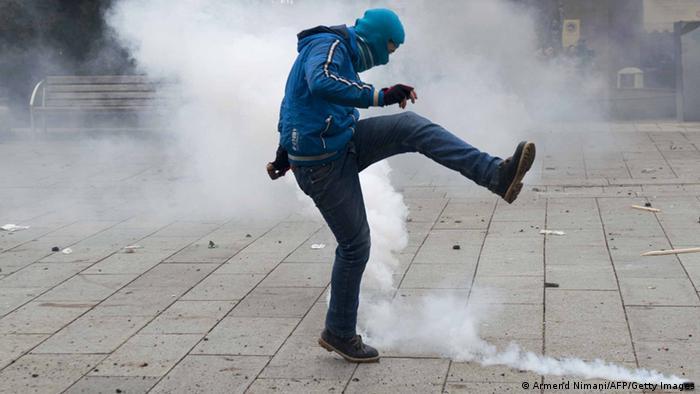 Ausschreitungen in Pristina Kosovo 27.01.2015