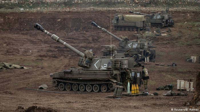 أرشيف: قوات في مرتفعات الجولان على الحدود مع سوريا (27 يناير/ كانون الثاني 2015)