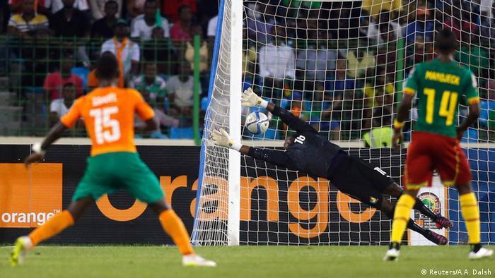Max Gradel (Côte d'Ivoire) inscrit son but contre le Cameroun en CAN 2015