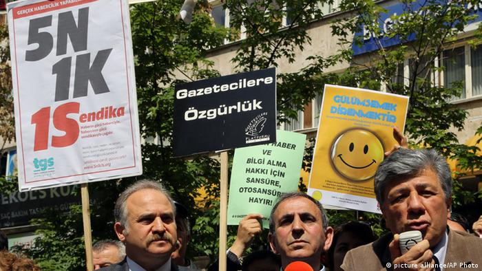Protests for press freedom in Turkey (Photo: AP)