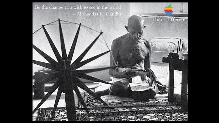 Plakat Apple Kampagne Think different mit Mahatma Gandhi
