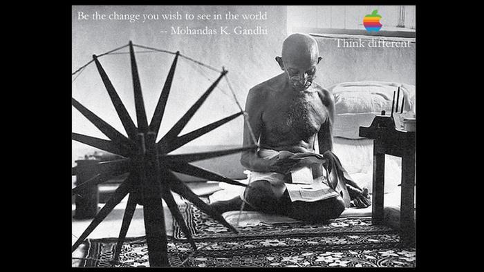 Plakat Apple Kampagne Think different mit Mahatma Gandhi