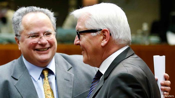 Nikos Kotzias und Frank-Walter Steinmeier in Brüssel (Foto: Reuters)