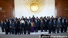 epa04594572 A handout photograph made available by the South African Government Communication and Information System (GCIS) showing a general view of the 'family portrait' of the leaders of the African countries involved in the 24th Ordinary Session of the AU, Addis Ababa, Ethiopia, 30 January 2015. The summit will amongst other topics discuss the ebola outbreak in West Africa. EPA/GCIS / HANDOUT HANDOUT EDITORIAL USE ONLY/NO SALES +++(c) dpa - Bildfunk+++