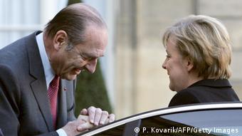 Merkel-Chirac: el besamanos.