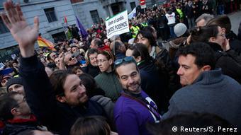 Pablo Iglesias (izq.) durante la marcha realizada por Podemos y sus simpatizantes en Madrid (30.1.2015).