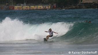 Surfer am Bondi Beach (Foto: Rainer Dückerhoff).