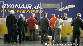 Ryanair check in counter
