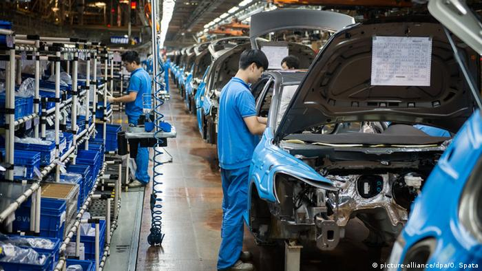 VW-Werk in Shanghai, China (picture-alliance/dpa/O. Spata)