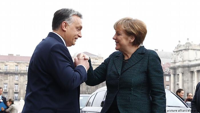 Angela Merkel und Viktor Orban in Budapest (Foto: picture-alliance/abaca)