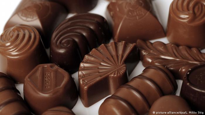 Schokolade Pralinen (Symbolbild) (picture-alliance/dpa/L. Mikko Stig)