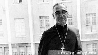 Oscar Romero Erzbischof El Salvador (picture-alliance/AP Photo)