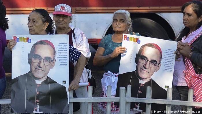 Óscar Romero, venerado por el pueblo.